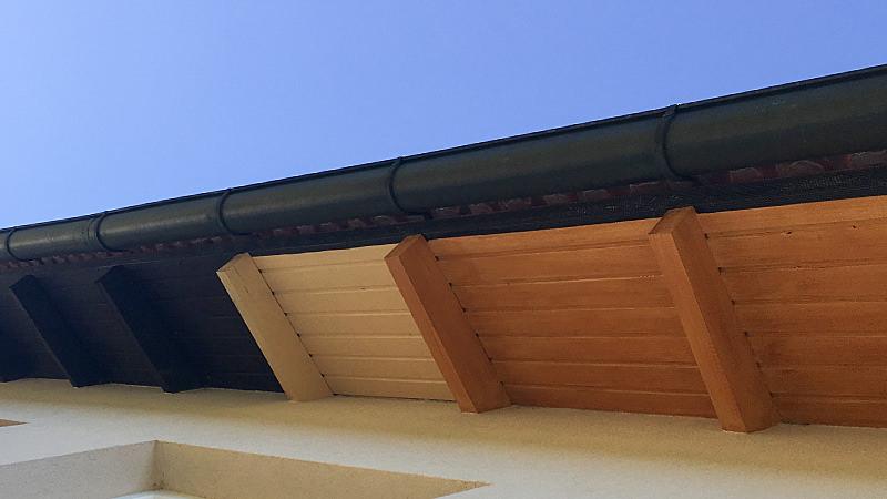 Anstrich Dachvorsprung vorher nachher